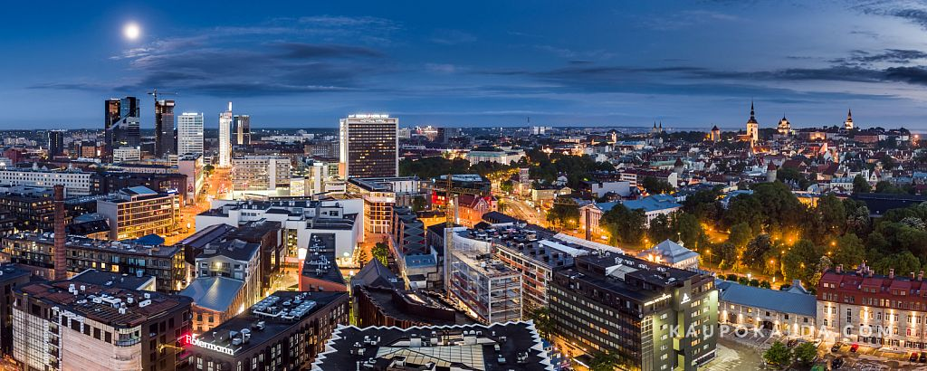 Uus ja vana Tallinn kuupaistel